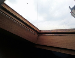 屋内で天窓撤去のリフォーム前