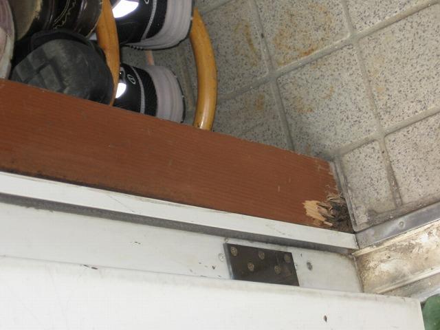 玄関の木枠状況