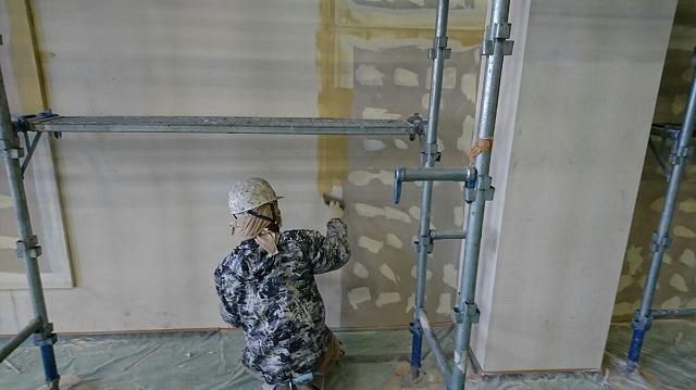 壁段差のパテ処理
