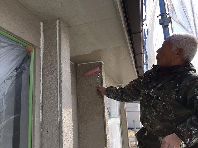 外壁塗装の下地塗の様子