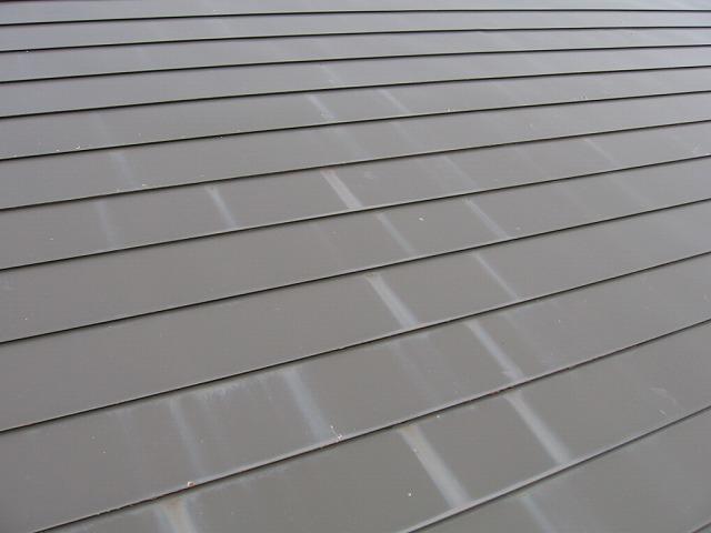 屋根塗装の雨によるはがれ