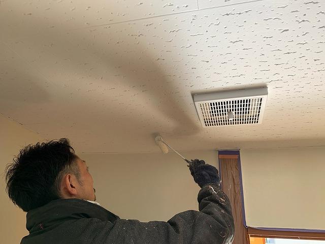 天井仕上げ塗装