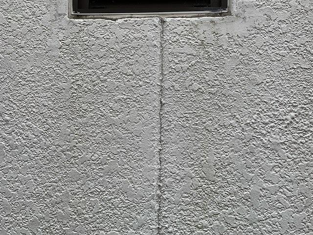 外壁目地のひび割れ