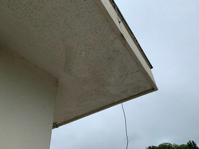 雨漏りの軒天部分