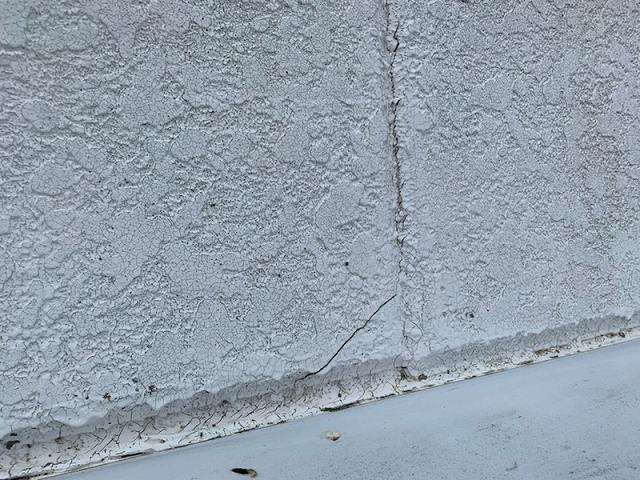 外壁材のひび割れ
