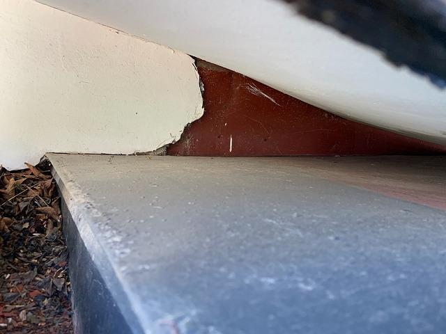 屋根と壁際の接続部