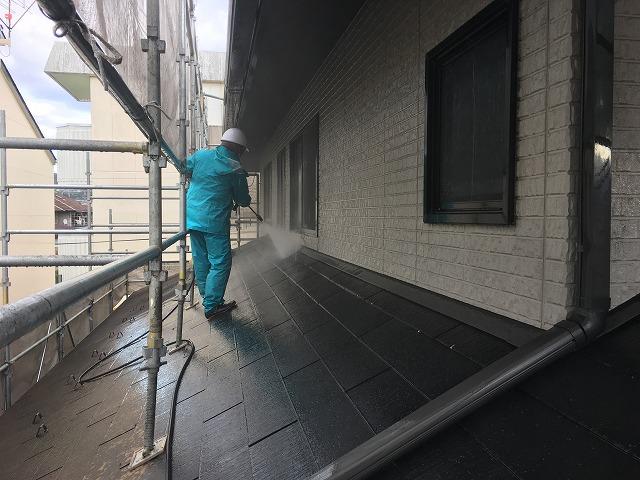一階の屋根と壁の洗浄