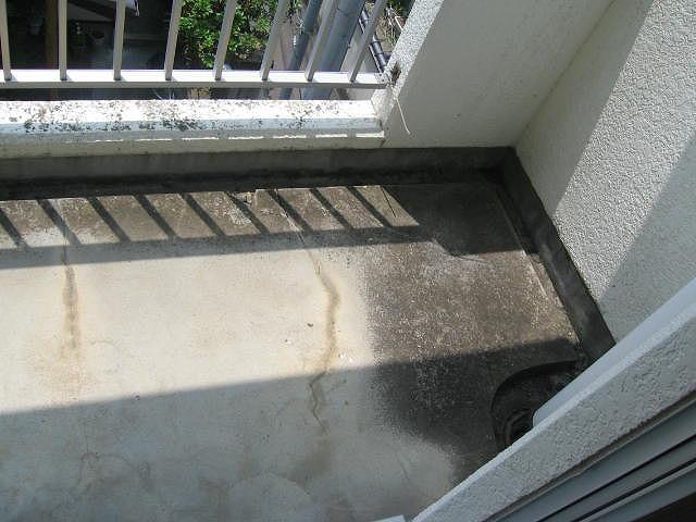 モルタル防水ベランダ床