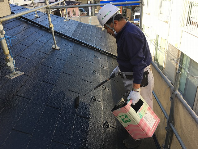 コロニアル屋根上塗り二回目