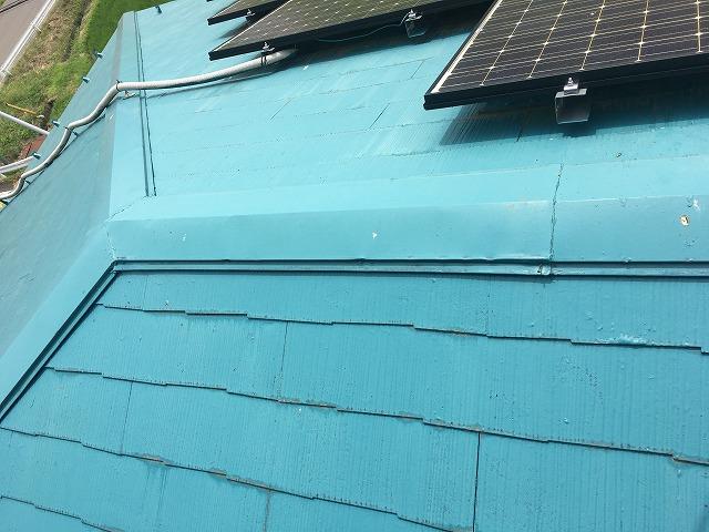 点検中の屋根の様子
