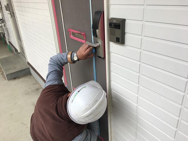ドア塗装養生