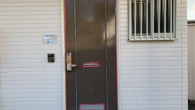 ドア中塗り