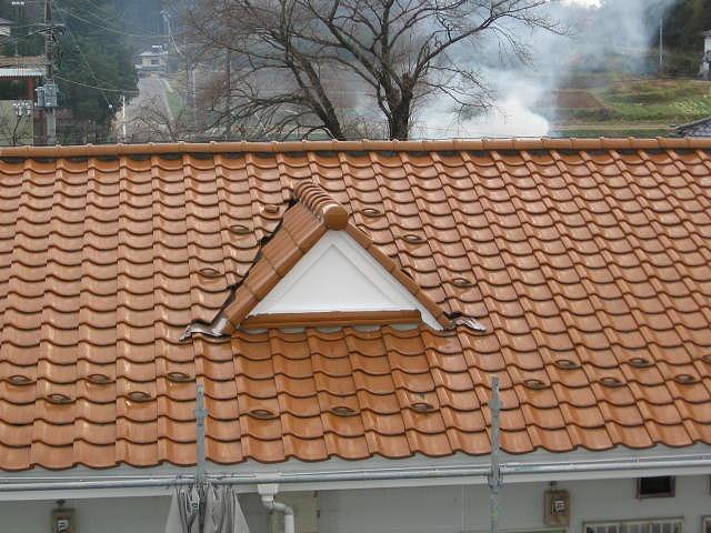 屋根谷部トタン塗装
