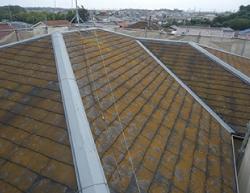 塗り替えで、防水性能アップする前の屋根